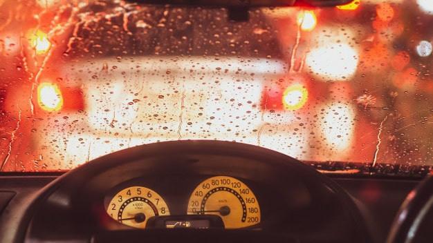 05 dicas para dirigir em dias de chuva com segurança